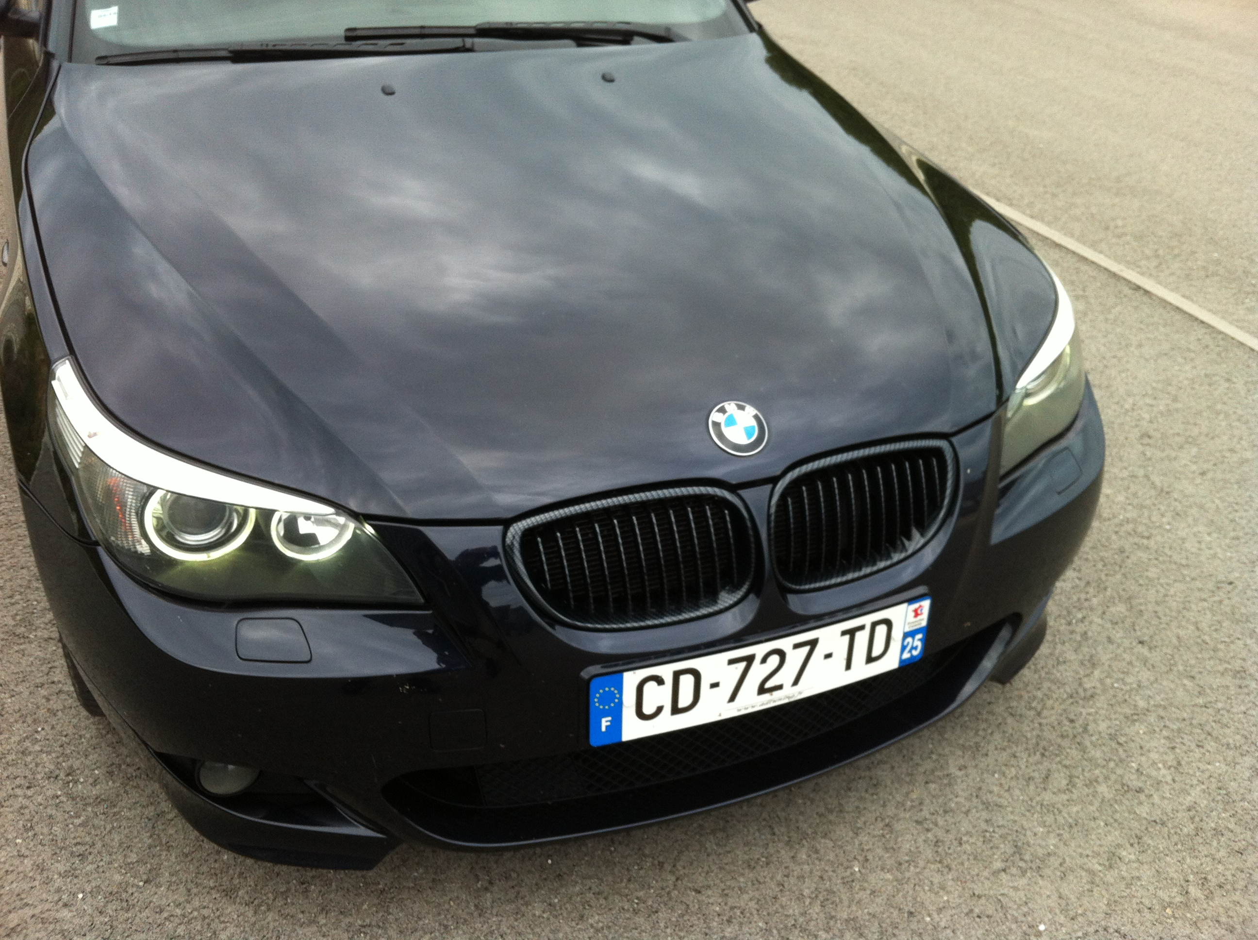 2 grille de calandre totalement carbone bmw serie 5 e60. Black Bedroom Furniture Sets. Home Design Ideas